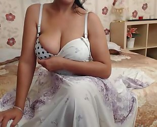 Hot indian milf bhabhi pt 1