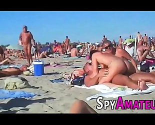 Voyeur swinger seaside bang above spyamateur.com