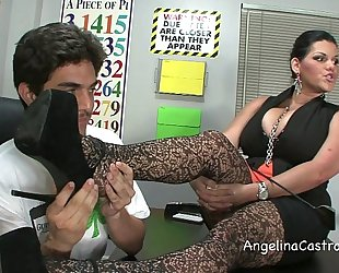 Be in charge angelina castro threeway footfetish bj in class!