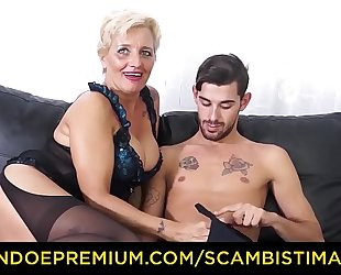 Scambisti maturi - hardcore wazoo fucking with italian blond granny shadow
