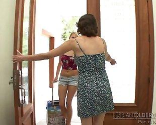 Mia malkova and veronica snow - lesbo mature younger