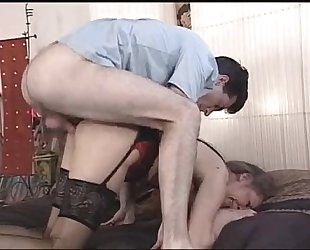 Mature mommy gets her fur pie pounded - xhamster.com