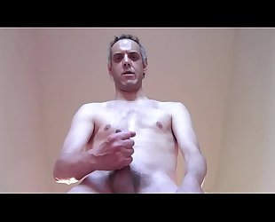 NICE CUMSHOT WITH HAIRY DICK AND BIG NIPPLES OF A MATURE AND DEPRAVED MAN!!!