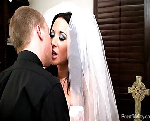 Sexy bride jayden james copulates her priest