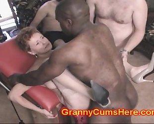 She eats granny's cock juice pies