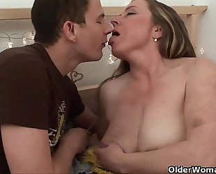 Mom knows darn well that u will fuck her