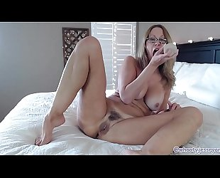 Hot Milf Camgirl Jess Ryan With Sexy Feet