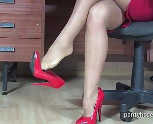 Milf Sob sister in a Pantyhose