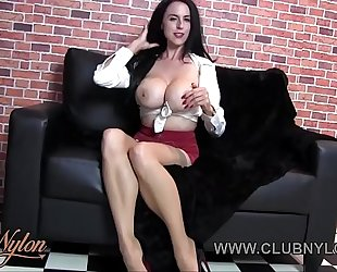 Milf big boobs wanks in nylon and heels
