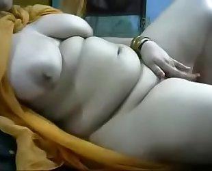 Mature aunty live fingring at 9cams.online