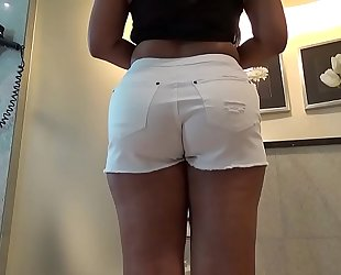 Desi Booty in White Shorts Taking Indian Cock Unfathomable cavity Inside Just about Bathroom