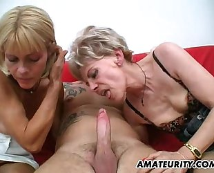 Amateur 3some with two wicked aged housewives
