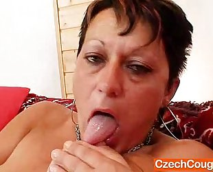 Strange mom plastic strapon show