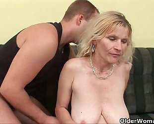Older mamma with large love melons and hirsute muff acquires facial