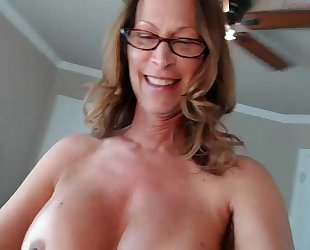 Jessryan 5 - sexy milf twerking that arse