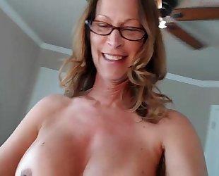 Jessryan 5 - sexy milf twerking that arse