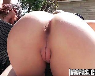 Mofos - real bitch party - (kimber lee) - bikini women fucking poolside