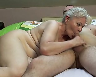 Bedroom sex by older pair !!