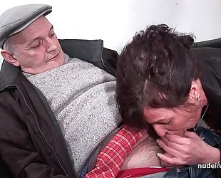 Amateur older hard dp and facialized in 3way with papy voyeur