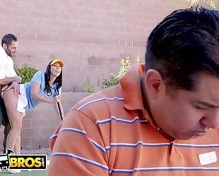 Bangbros - large butt milf rachel starr copulates her golf instructor behind husband's back