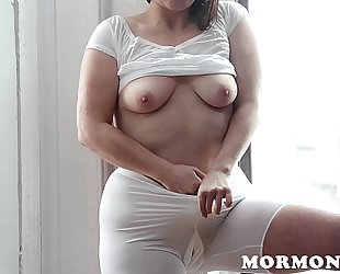 Mormongirlz: mormon milf masturbates with sex toy