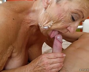 Old granny bonks the young mechanic - lusty grandmas