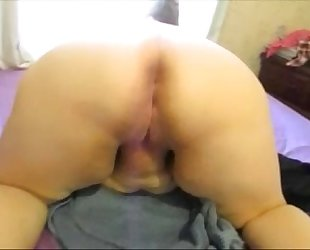 Fat housewife sucks & ride massive penis getting an agonorgasmos